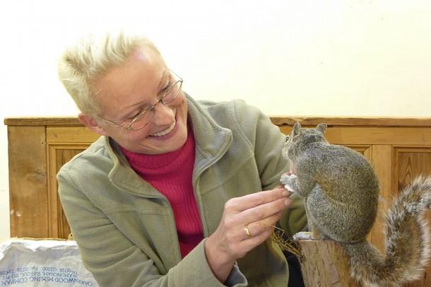 Mammal Taxidermy Training student