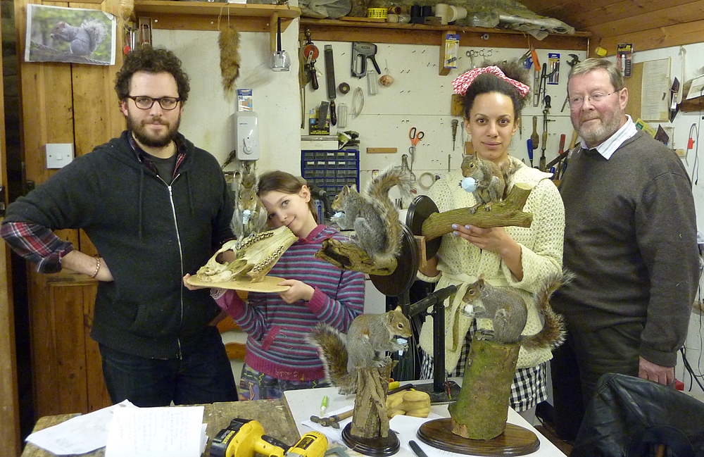 Mammal Taxidermy Training course students